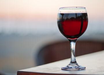 Вино Изабелла красное полусладкое