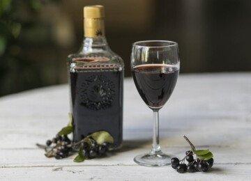 Как сделать вино из черноплодной рябины